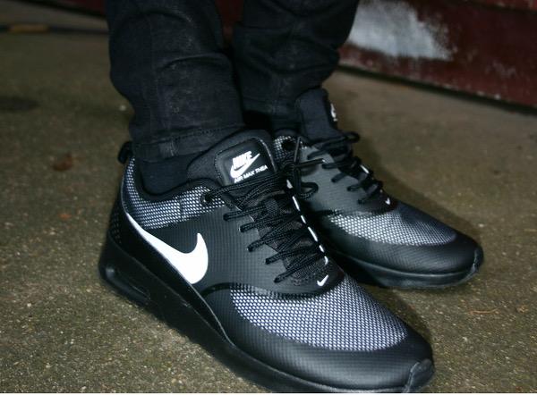 Sneaker wahnsinn bei foot locker fashionzone for Schuhschrank nike