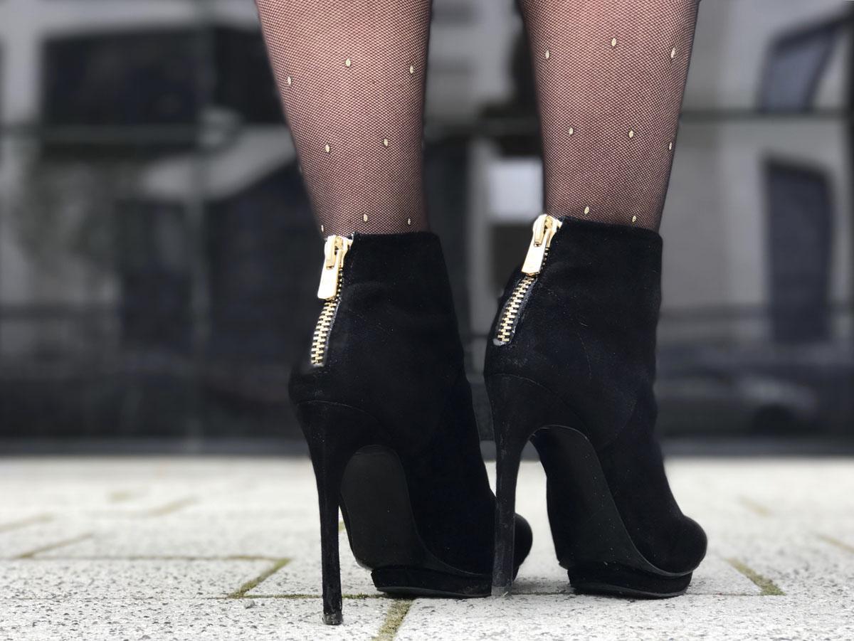 velvet-high-heels-dotted-tights-yellow-dress-julia-porath