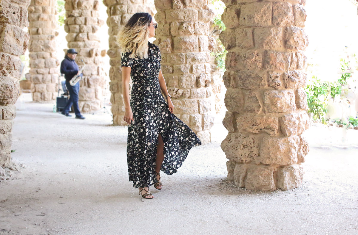 bershka-flower-dress-long-flower-dress-long-loral-dress-olive-sandaletten-olive-green-stilettos-summer-outfit-barcelona-outfit-vacation-outfit-chola-outfit-spain-outfit