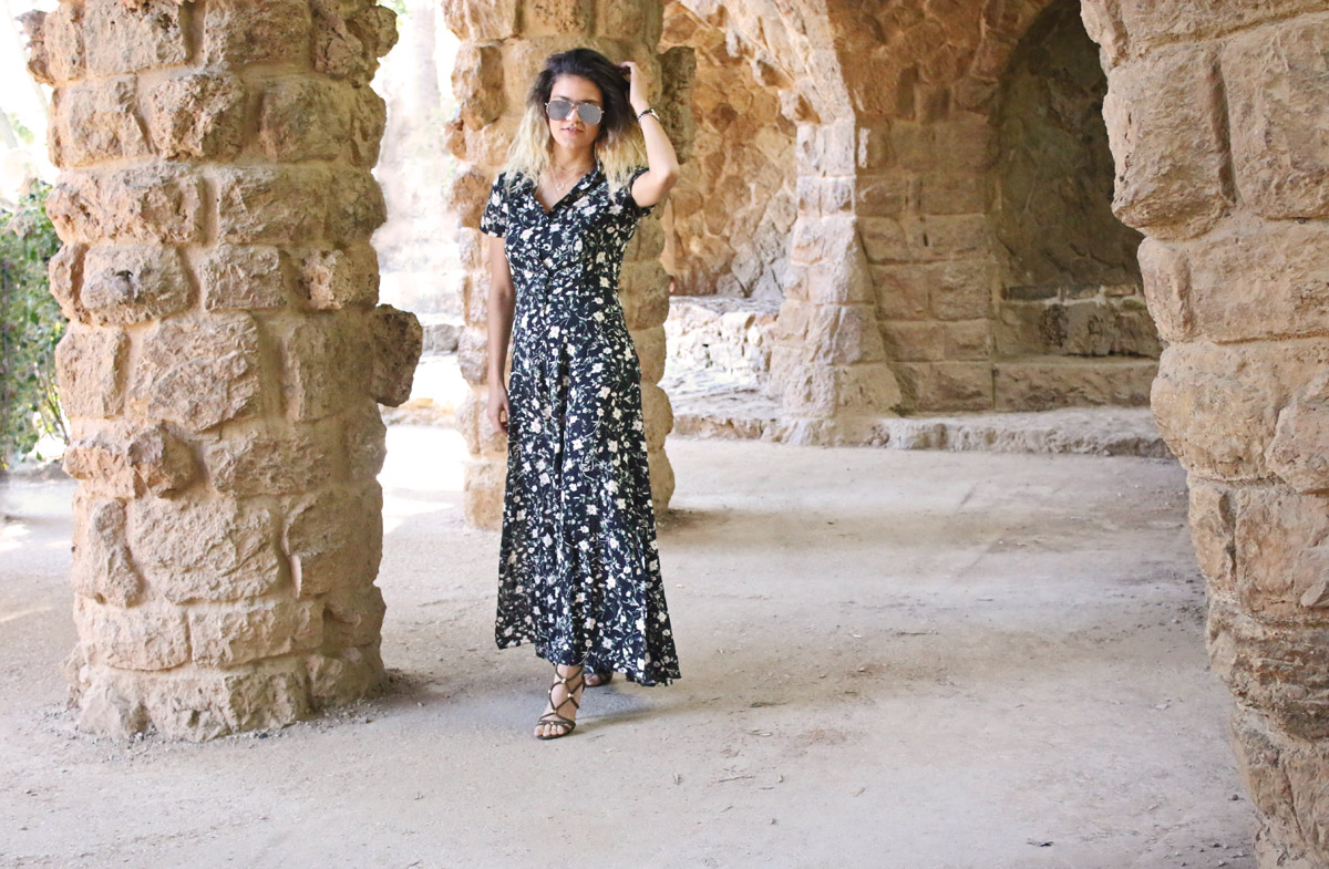 black-long-floral-dress-bershka-dress-olive-sandaletten-olive-green-stilettos-vacation-outfit-park-gaudi-outfit-barcelona-outfit-balayage-hair-fashionzone-tasha