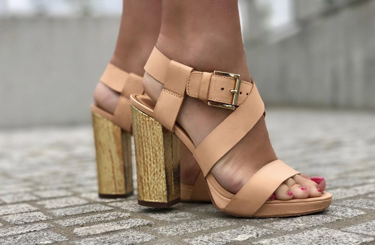 blockabsatz-sandaletten-beige-gold