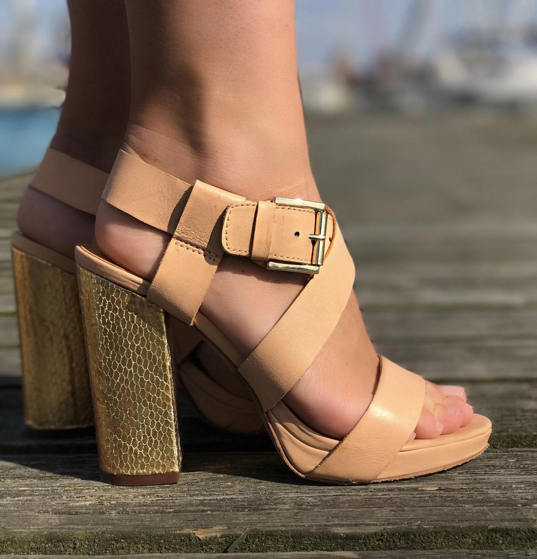 plateau-sandaletten-holz-plateau-heels-plateau-sandaletten