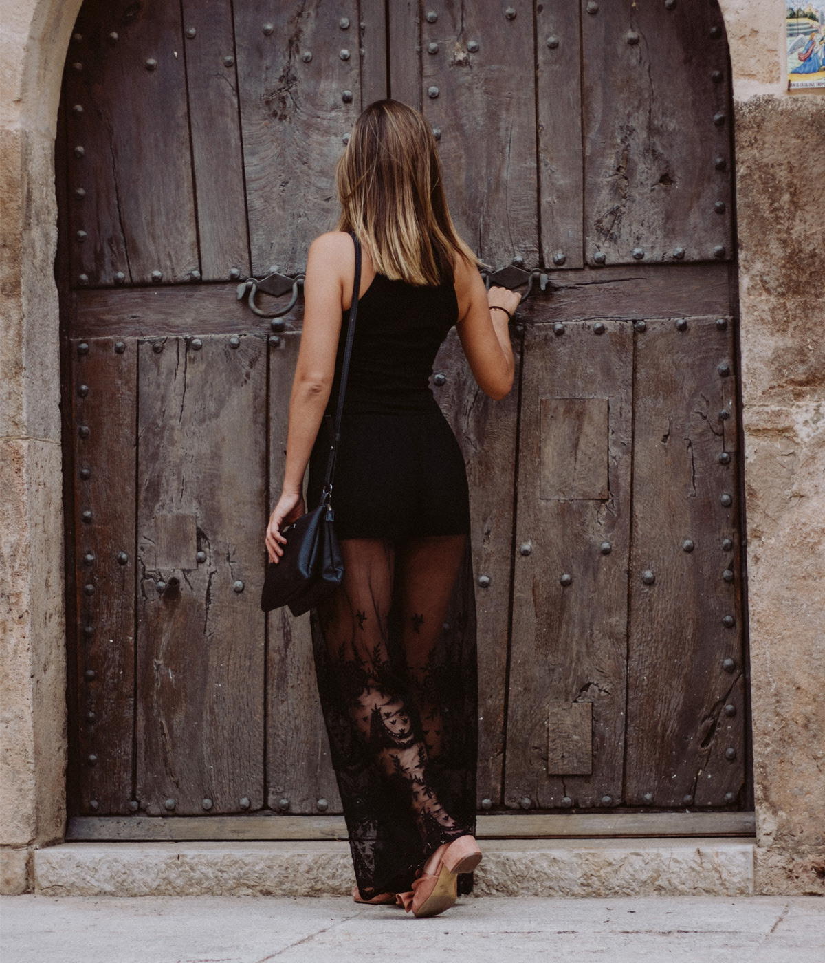 vanessa_all-black-transparent-sandalen-spitze-4