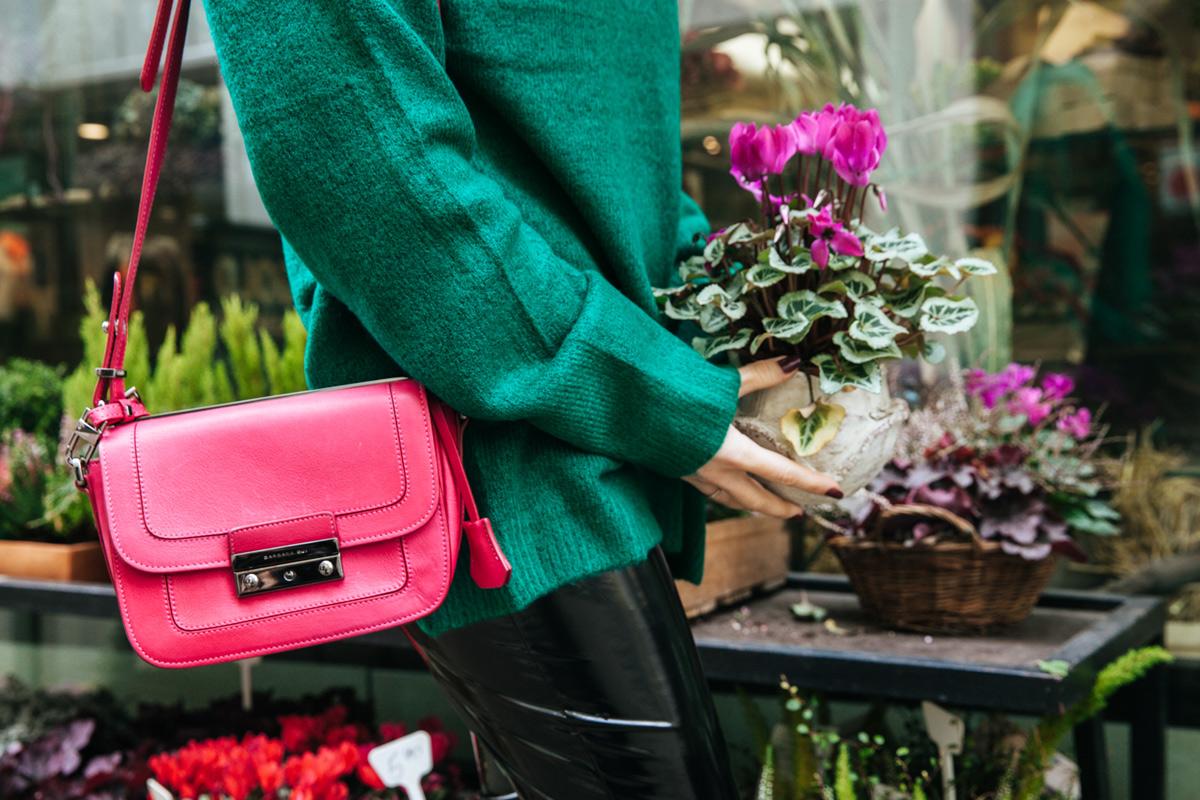 susanka-strick-pullover-pulli-stiefel-handtasche-pink-lederhose_1