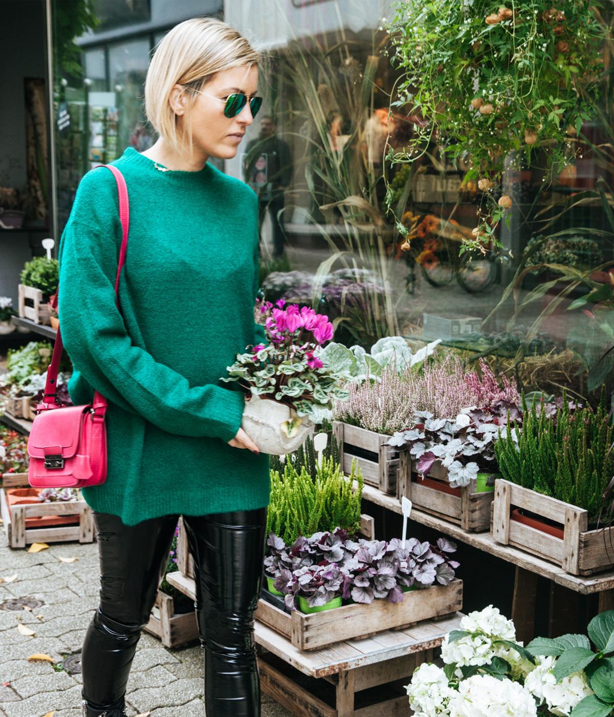 susanka-strick-pullover-pulli-stiefel-handtasche-pink-lederhose_3