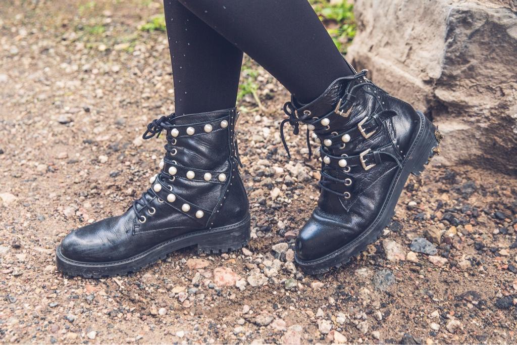 susanka_style_boots
